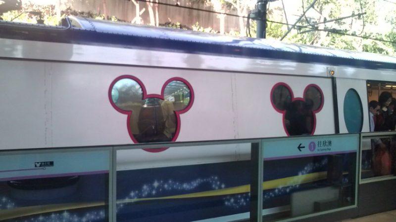 ディズニー列車