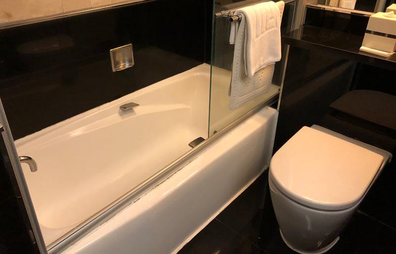 浴槽のあるホテル